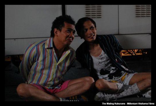 "Indra Birowo dan Yton ""Club Eighties"", duet komedi di The Maling Kuburans"
