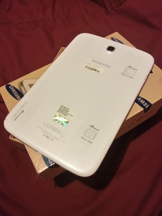 Tampak belakang Samsung Galaxy Note 8