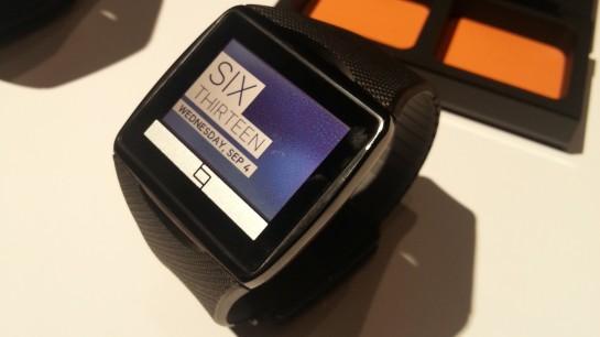Qualcomm 'Toq', smartwatch dengan teknologi layar Mirasol