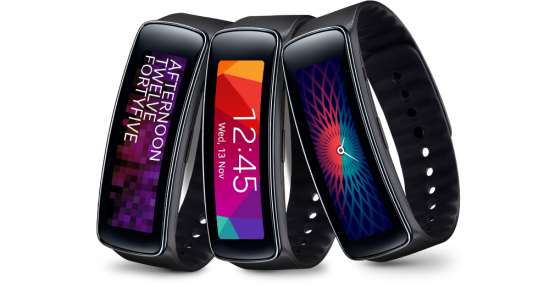 Samsung Gear Fit, fitness tracker & smartwatch yangmencuri perhatian.