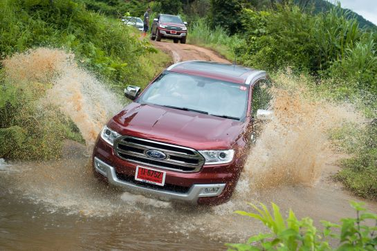 Ford Everest drive 066