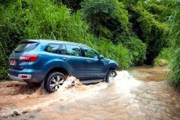 JalanRaya: Menjajal Ford All-New Everest di Lumpur dan AirThailand