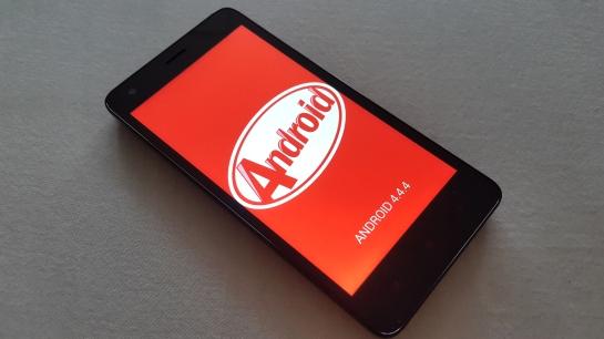 Redmi 2 Prime Edition menunjukkan Android Kitkat masih bisa unjuk gigi.