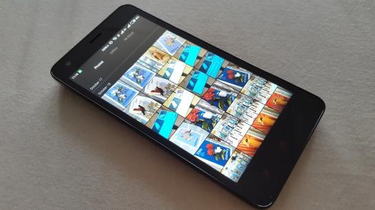 Galeri foto MIUI, dibagi jadi 3 tab.